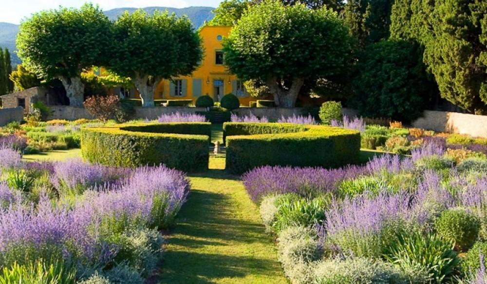 Comment créer un jardin à la française ?